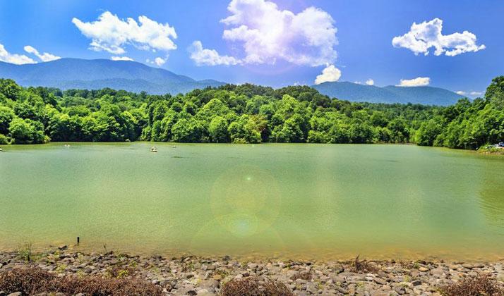 این دریاچه در اصل محوطه آبی سد الیمالات است.