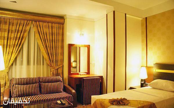 هتل چهارستاره عماد ویژه یک شب اقامت فولبرد(صبحانه،ناهار،شام) به ازای هر نفر تا ۳۰% تخفیف