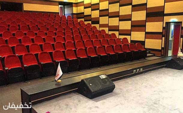 شوی کمدی شب آدرنالین در سالن آمفی تئاتر ماندگار