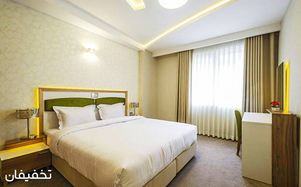 هتل آپارتمان سه ستاره حیات شرق ویژه یک شب اقامت فولبرد(صبحانه، ناهار، شام) به ازای هر نفر  تا ۳۰% تخفیف