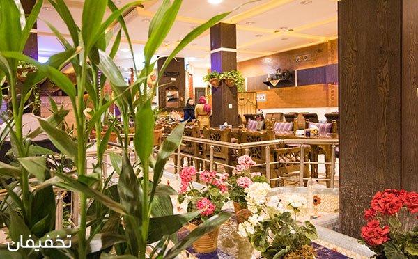 رستوران سنتی ستاره بلوار در فضایی مجلل و پر انرژی ویژه منو باز همراه با موسیقی زنده با ۵۰% تخفیف