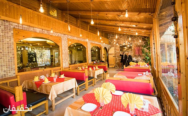 سفارش از پکیج شام در باغ رستوران قصر موج با ۴۵% تخفیف